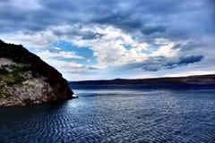 Dramatyczni nieba i morze Obrazy Stock