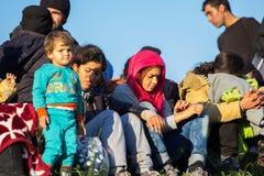 Dramatyczni obrazki od Słoweńskiego uchodźcy kryzysu Zdjęcie Stock