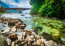 Dramatyczny długi ujawnienie mostem w Bohinj kurorcie w Slovenia obraz royalty free