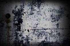 Dramatyczny grunge malujący z białą kolor ścianą Obrazy Royalty Free