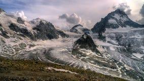 Dramatyczny lodowiec zdjęcie royalty free