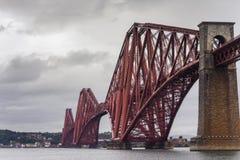 Dramatyczny most Południowy Queensfery Naprzód, Szkocja obraz stock