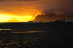 Dramatyczny niebo i ocean Zdjęcia Royalty Free