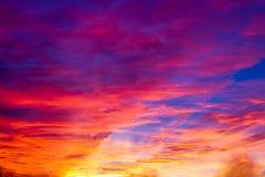 Płonie niebo przy zmierzchem Fotografia Royalty Free