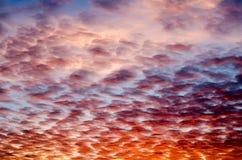 Dramatyczny niebo z chmurami przy zmierzchem Zdjęcie Stock