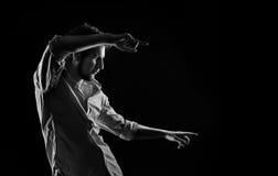 Dramatyczny portret mężczyzna pokazuje forefingers Zdjęcia Royalty Free