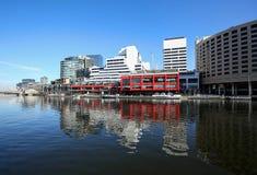 Dramatyczny w centrum Melbourne linia horyzontu obraz stock