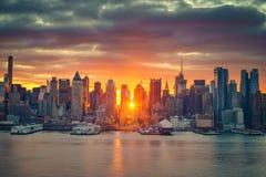 Dramatyczny wschód słońca nad Manhattan Zdjęcia Stock