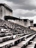 Dramatyczny zachodni widok zlikwidowana trybuna poprzednie Nazistowskiego przyjęcia wiecu ziemie Zdjęcia Stock