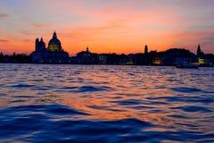 Dramatyczny zmierzch w Wenecja fotografia stock