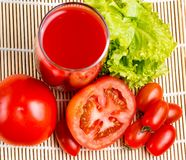 Drank van tomaten de Plantaardige Juice Means Refreshing Refreshment And royalty-vrije stock fotografie