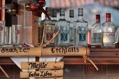 Dranken bij de bar Royalty-vrije Stock Foto's