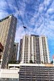 Drapacz chmur, linia horyzontu, nowożytny mieszkanie lub kondominium, Obrazy Royalty Free