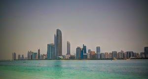 Drapacze chmur w Abu Dhabi centrum miasta, UAE Zdjęcie Royalty Free