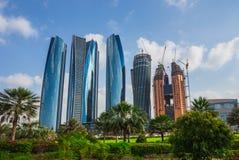 Drapacze chmur w Abu Dhabi, UAE Zdjęcie Royalty Free