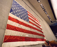 Drapeau à l'intérieur de mémorial et de musée nationaux du 11 septembre Image stock