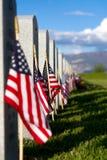 Drapeau américain à la pierre tombale de soldat Images libres de droits