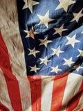 Drapeau américain hérissé à la lumière du soleil image libre de droits