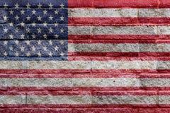 Drapeau américain peint sur un mur de briques de pierre de gris Images libres de droits