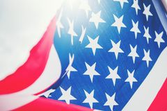 Drapeau américain pour le Jour de la Déclaration d'Indépendance commémoratif le 4ème juillet image libre de droits