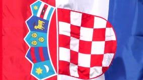 Drapeau croate ondulant dans le vent banque de vidéos