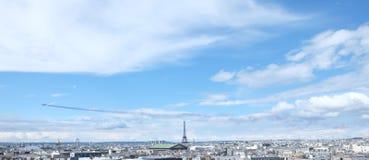 Drapeau d'Eiffel de visite Photographie stock libre de droits