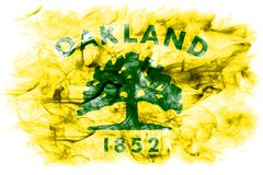 Drapeau de fumée de ville d'Oakland, état de la Californie, Etats-Unis d'Amer Images libres de droits