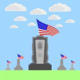 Drapeau de l'Amérique volant au-dessus de la pierre tombale Image libre de droits