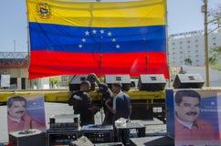 Drapeau de la République de Bolivarian du Venezuela avec ses huit étoiles photographie stock