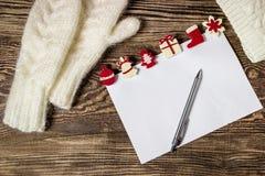 Drapeau de Noël Lettre au père noël Fond d'hiver de list d'envie Photos stock