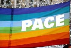 Drapeau de paix avec le grand PAS écrit italien Image stock