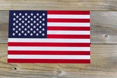 Drapeau des Etats-Unis d'Amérique sur les conseils en bois rustiques Photo libre de droits