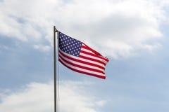 Drapeau des Etats-Unis sur un mât de drapeau Photographie stock