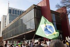 Drapeau du Brésil pour la protestation populaire image libre de droits