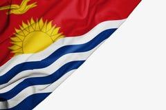 Drapeau du Kiribati de tissu avec le copyspace pour votre texte sur le fond blanc illustration stock