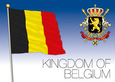 Drapeau du royaume de Belgique avec le manteau des bras Image libre de droits
