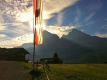 Drapeau du Tyrol du sud chez Seiser Alm, Italie Photographie stock