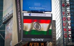 Drapeau indien sur l'écran de Digital de Times Square Images libres de droits
