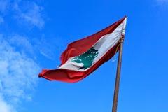Drapeau libanais sur le château de Sidon Photo stock