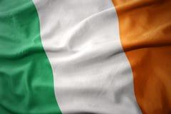 Drapeau national de ondulation de l'Irlande Photographie stock