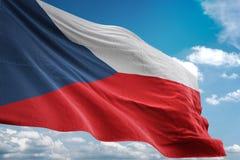 Drapeau national de République Tchèque ondulant l'illustration 3d réaliste de fond de ciel bleu illustration de vecteur