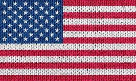 Drapeau national des Etats-Unis sur le fond tricoté photos libres de droits