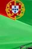 Drapeau portugais sur la voiture de course Photographie stock
