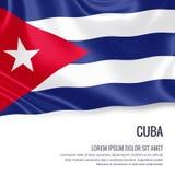 Drapeau soyeux du Cuba ondulant sur un fond blanc d'isolement avec le secteur blanc des textes pour votre message d'annonce illustration de vecteur