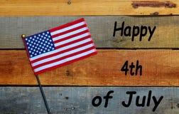 Drapeau sur le bois de palette - 4ème de juillet - Jour de la Déclaration d'Indépendance Images libres de droits