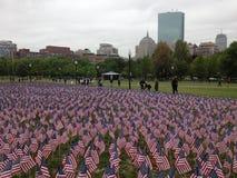 Drapeaux américains sur le terrain communal de Boston Photos stock