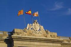 Drapeaux au palais de Generalitat Images libres de droits
