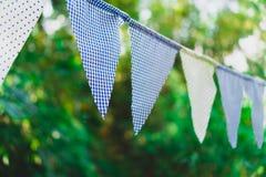 Drapeaux bleus de cru faits à partir du tissu pour la décoration photos libres de droits