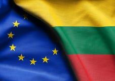 Drapeaux de la Lithuanie et de l'Union européenne Photographie stock