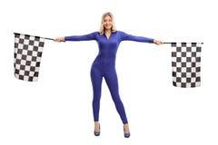 Drapeaux de ondulation de course de fille attirante Image libre de droits